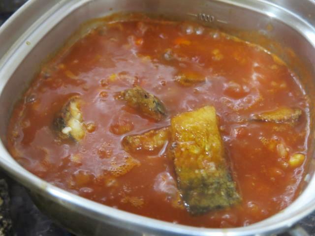 鯖のトマトソース