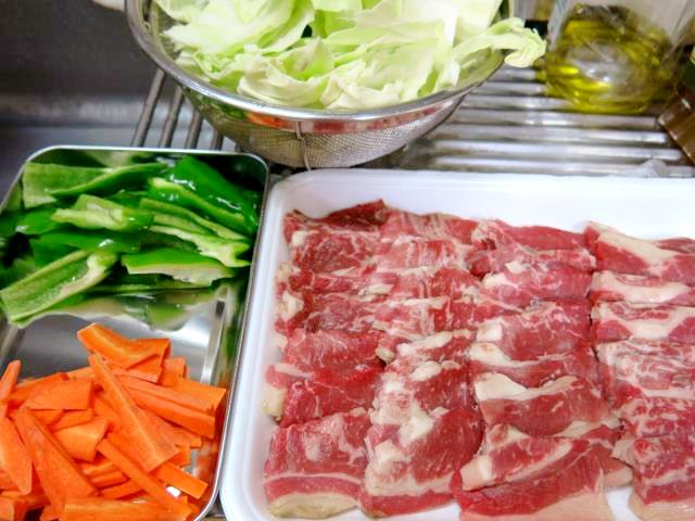 牛バラと野菜炒め