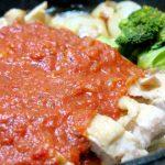 スキレットで作る「ジューシーチキンのトマトソース添え」と、ミニスキレットで「牡蠣とほうれん草のソテー」