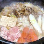 あっさりさっぱりコスパ良し!ダッチオーブンで作る「豚すき焼き」