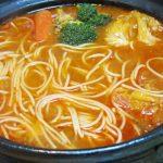 「水炊き」から残りを連続リメイク!「塩こうじ鍋」から「トマトパスタ鍋」へ